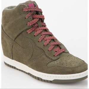 Nike Tonal Dunk High-top wedge sneaker dark green
